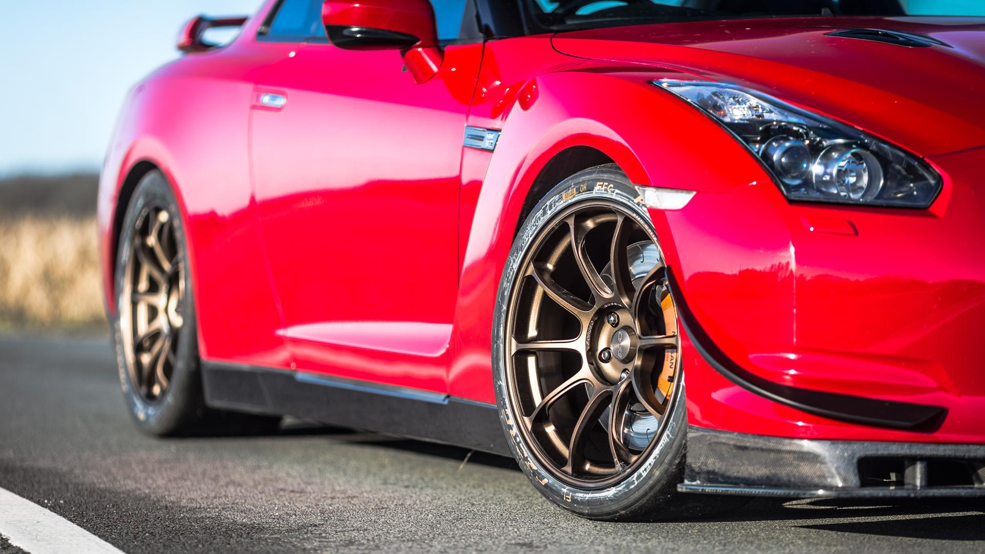 1000HP Nissan GTR Driving Experience Drift Limits